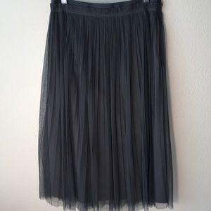 "Banana Republic ""black label""  grey skirt. Sz. S"